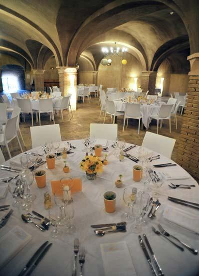 lancienne cave du domaine un espace de 400 m au charme authentique et chaleureux pouvant accueillir 220 convives ou 160 convives table pour donner - Domaine Viticole Mariage Var